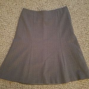 GAP gray skirt